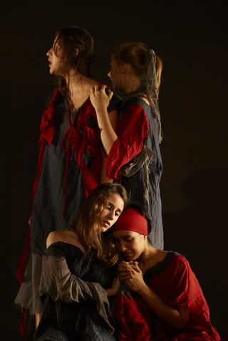 http://theatrelfs.cowblog.fr/images/2H2J0023JPEG70Graciela11-copie-1.jpg