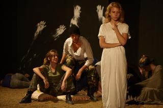 http://theatrelfs.cowblog.fr/images/2H2J9882JEPG70Graciela46.jpg