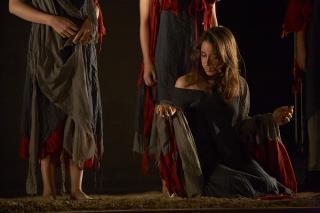 http://theatrelfs.cowblog.fr/images/IMG8806JPEG70Silvia15.jpg